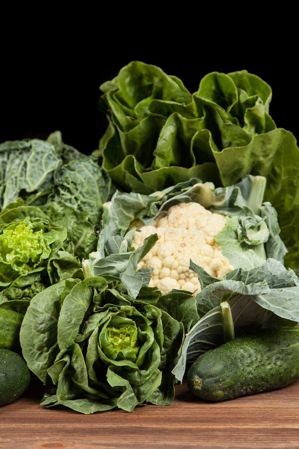 Surtido de verduras verdes imagenes de archivo