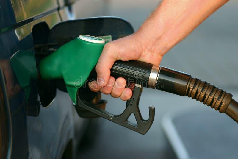 Surtidor de gasolina imagenes de archivo