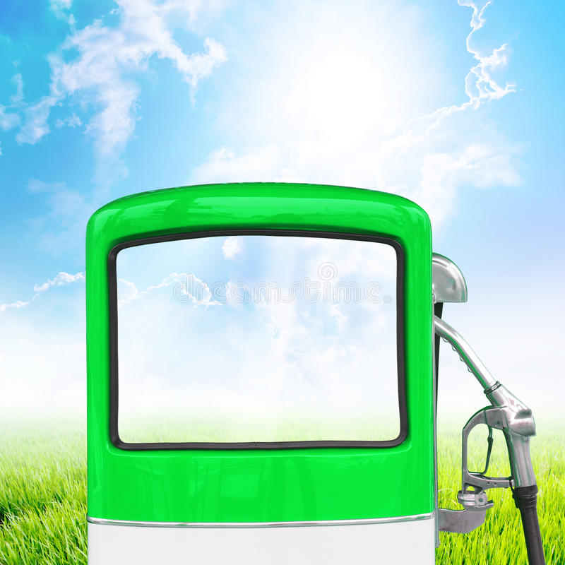 Surtidor de gasolina de la gasolina, camino de recortes imágenes de archivo libres de regalías