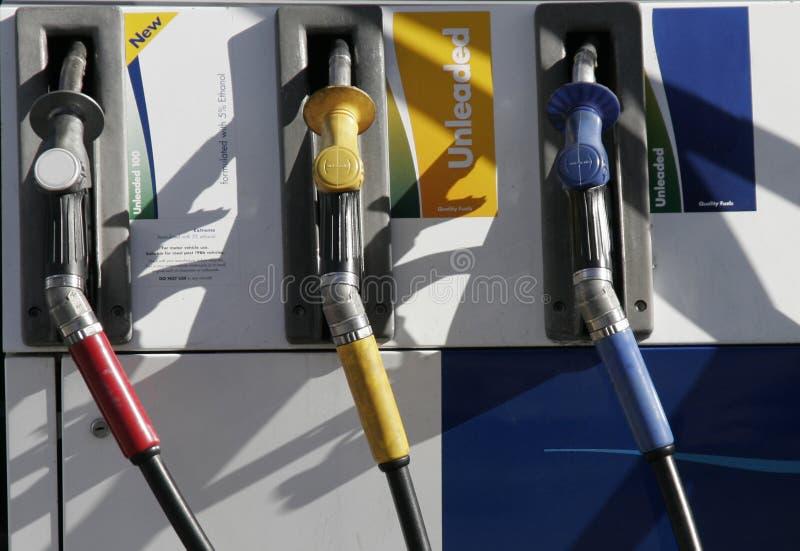 Surtidores de gasolina foto de archivo