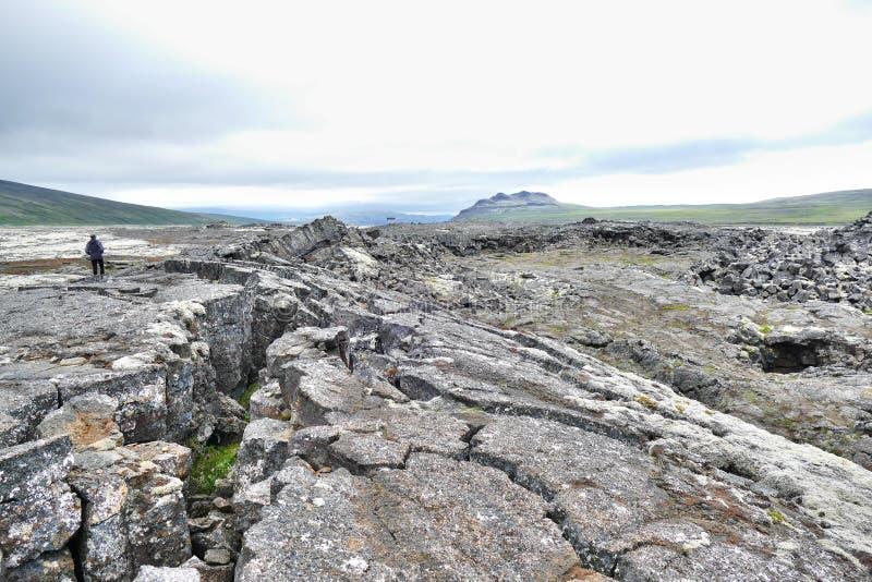 Surtshellir lavafält i västra Island arkivfoton
