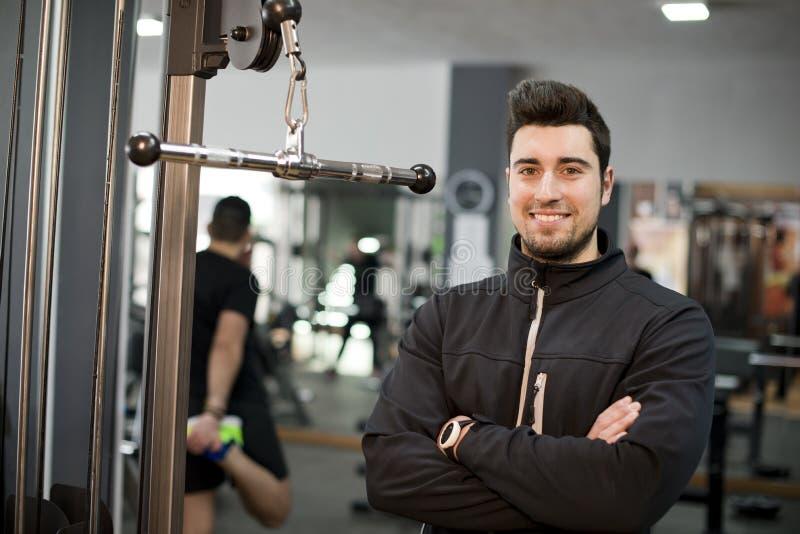 Surveillez l'entraîneur de forme physique photographie stock libre de droits