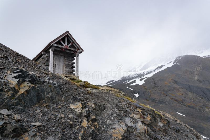 Survigh Hut on Exit Glacier, Harding Icefields Trail, Kenai Fjords National Park,美国阿拉斯加西沃德 库存照片