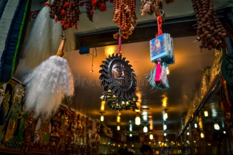 Surya totem w Manikaran fotografia stock