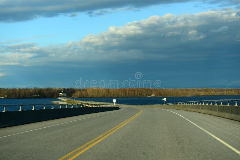 Suscite le pont de point, New York hors de la ville, Etats-Unis photo libre de droits
