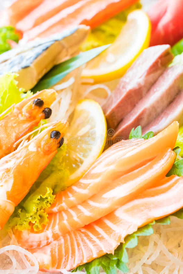 Download Sushi photo stock. Image du mélange, grand, pierre, deluxe - 87705886