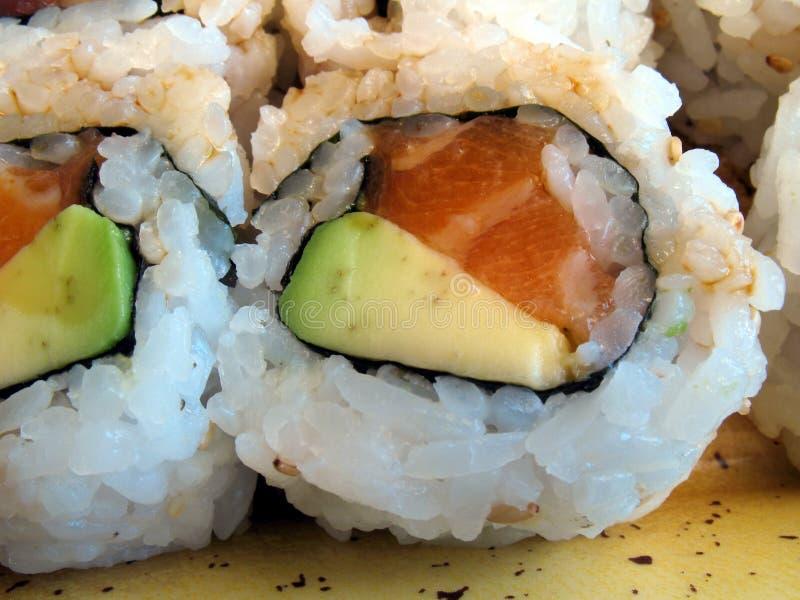 Sushi de saumons et d'avocat photographie stock