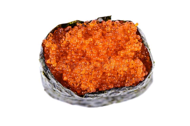 Sushi de Tobiko Gunkan com opinião superior das ovas dos peixes fotografia de stock