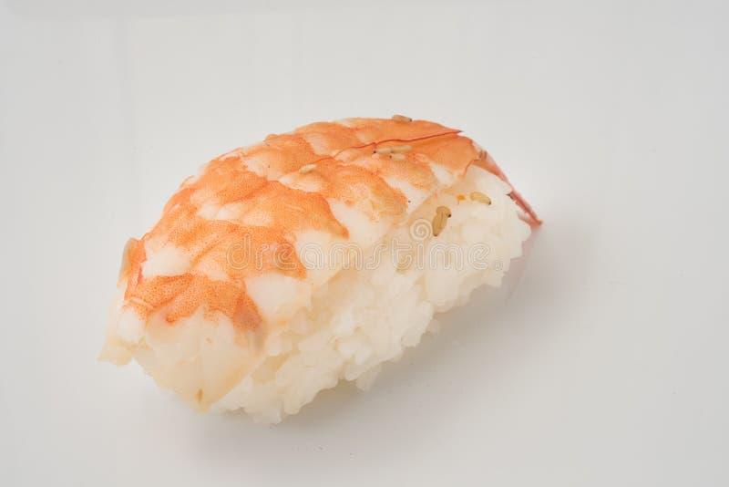 Sushi dei frutti di mare su un fondo bianco isolato fotografia stock libera da diritti