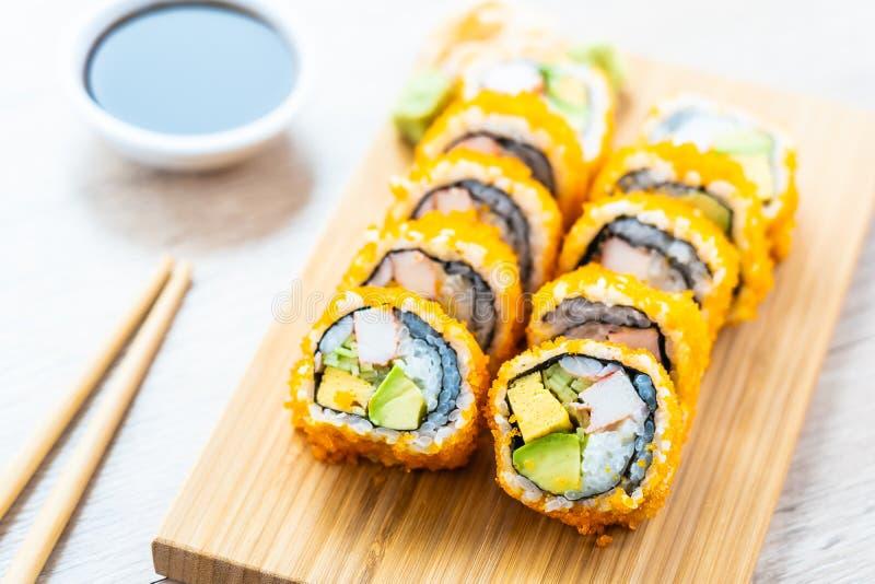 Sushi dei rotoli di maki di California fotografia stock libera da diritti