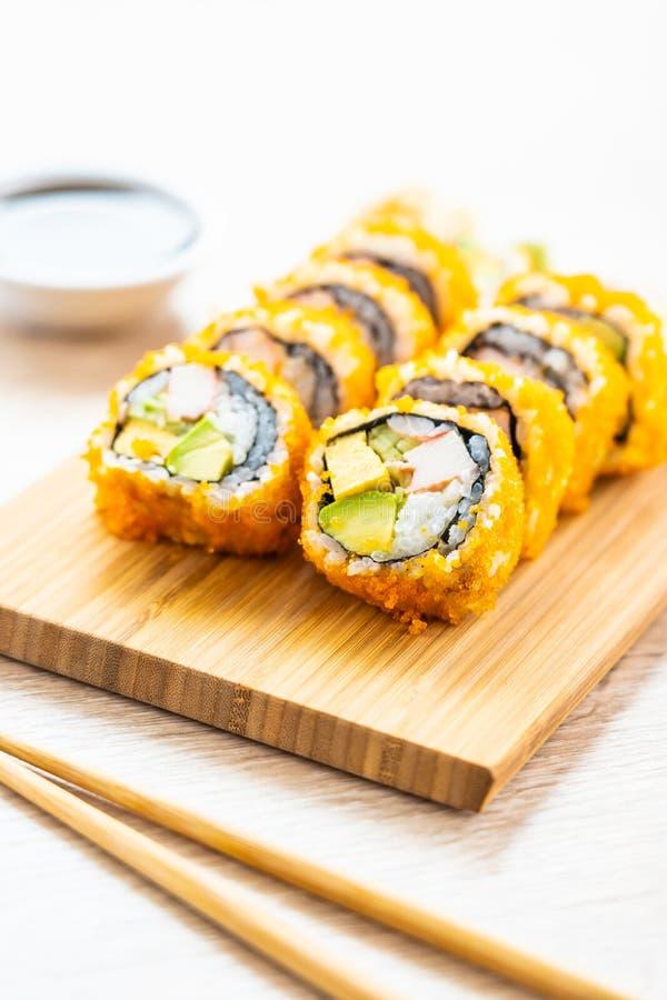 Sushi dei rotoli di maki di California fotografie stock
