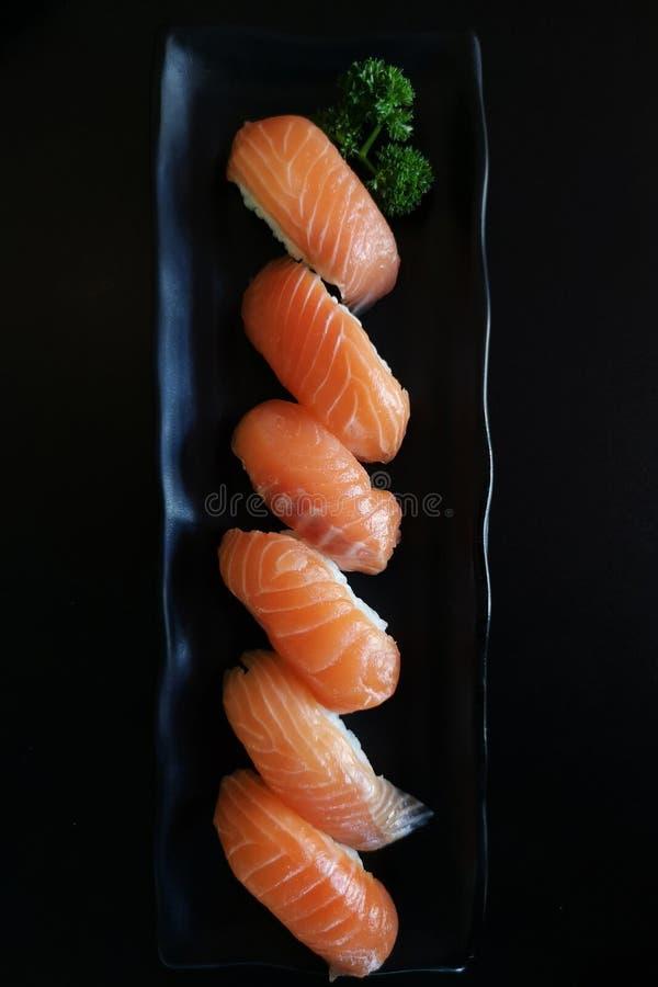 Sushi des saumons photo libre de droits