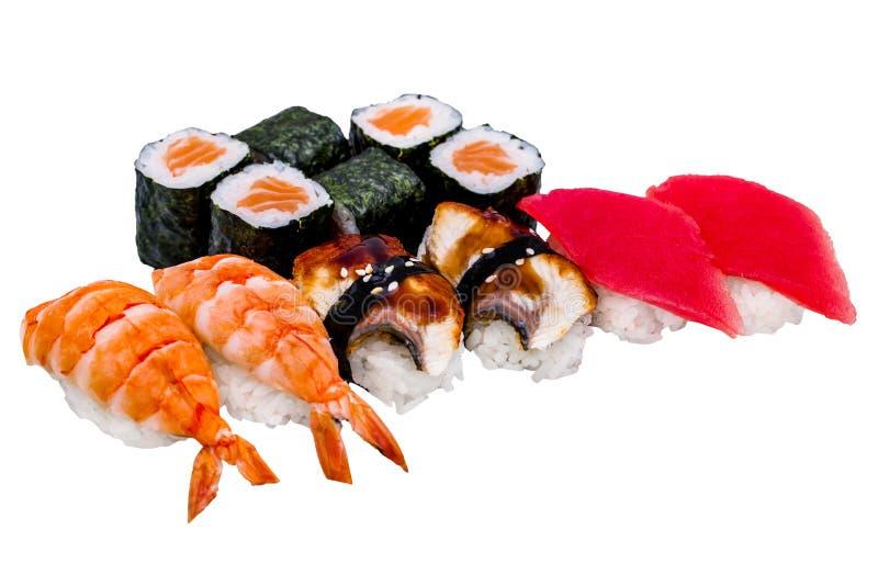 Sushi e rotoli di Nigiri, isolati su bianco immagine stock