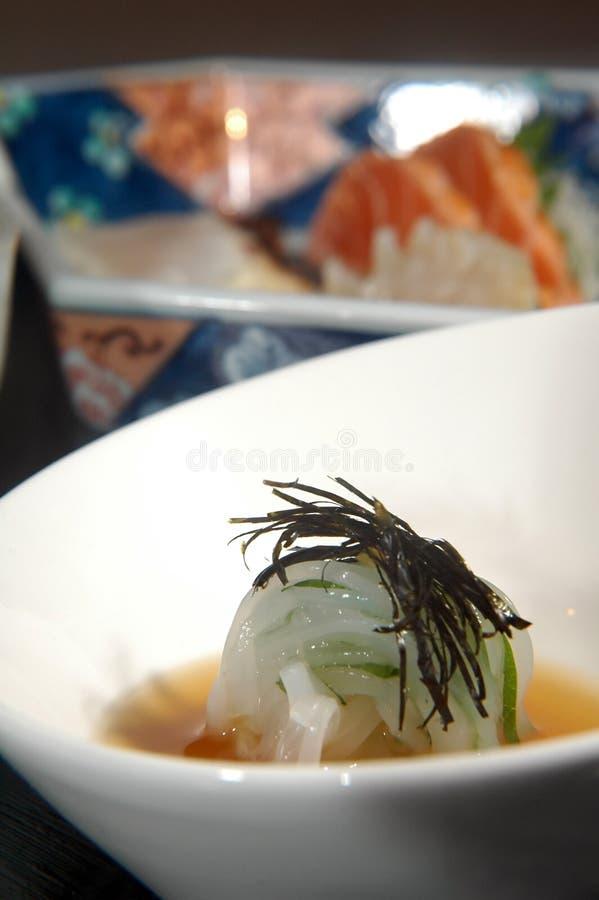 Sushi in einer Schüssel lizenzfreie stockfotografie