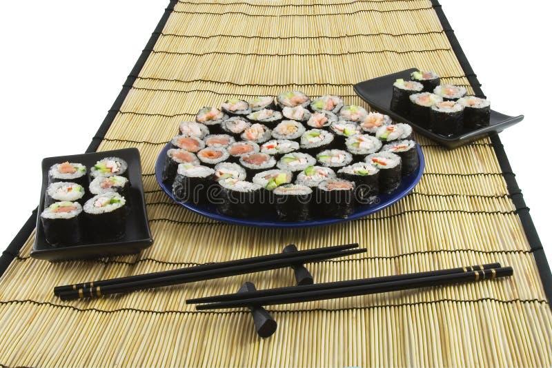 Download Sushi Em Uma Esteira De Bambu Imagem de Stock - Imagem de salmões, hungry: 12801101