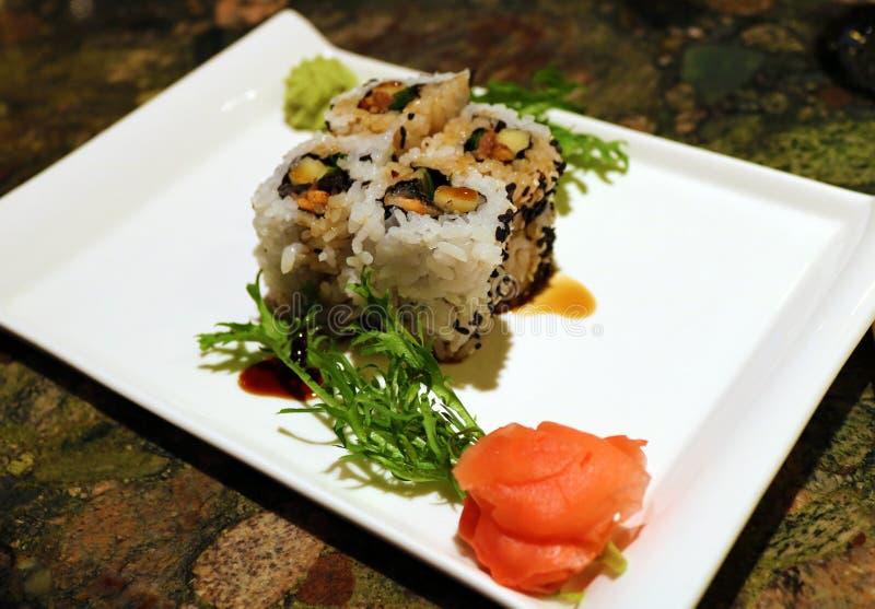 Sushi en el restaurante en la comida fresca de Costa Rica imagenes de archivo