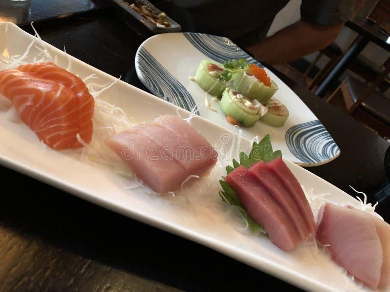 Sushi freschi deliziosi per la cena fotografia stock libera da diritti
