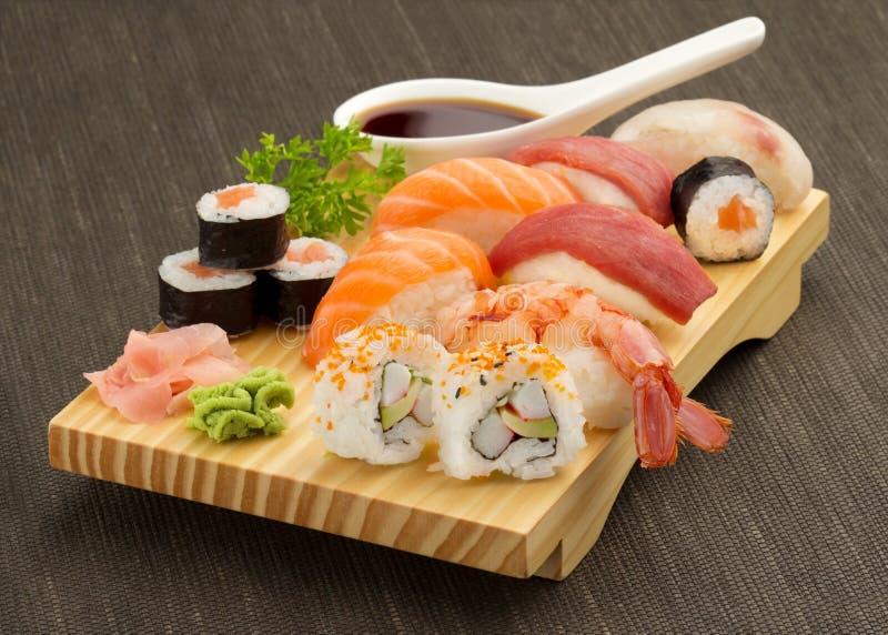 Sushi giapponesi immagini stock libere da diritti