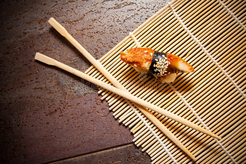 Sushi japonés de la anguila imagenes de archivo