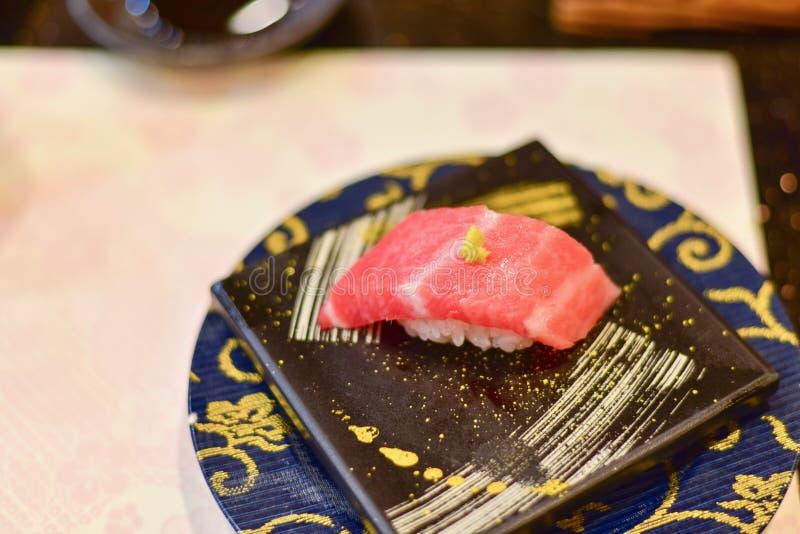 Sushi japonés de Otoro o Tuna Sushi grasa fotografía de archivo libre de regalías