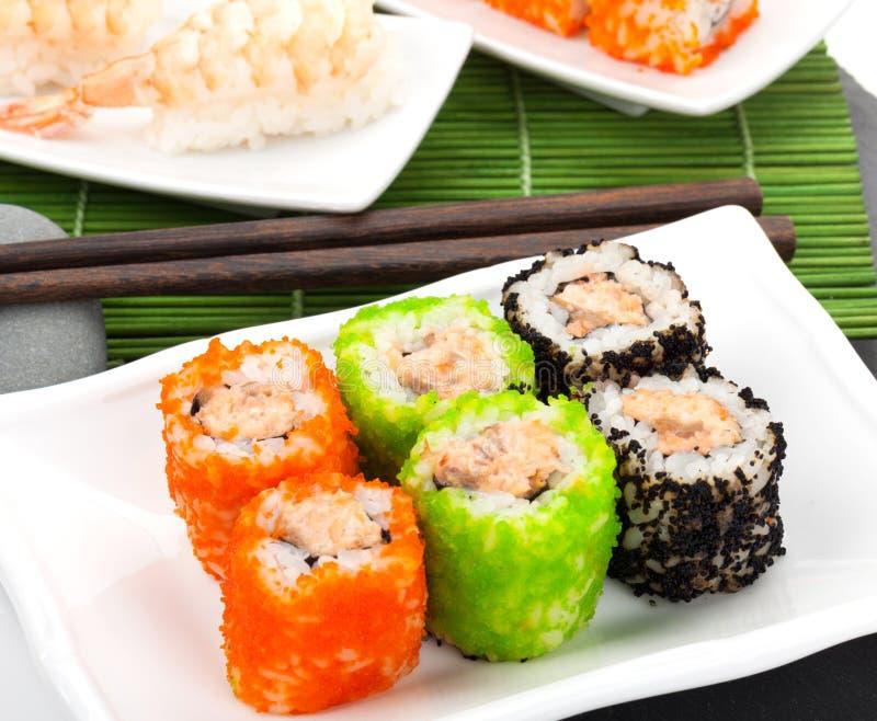 Sushi maki und Garnelensushi lizenzfreies stockbild