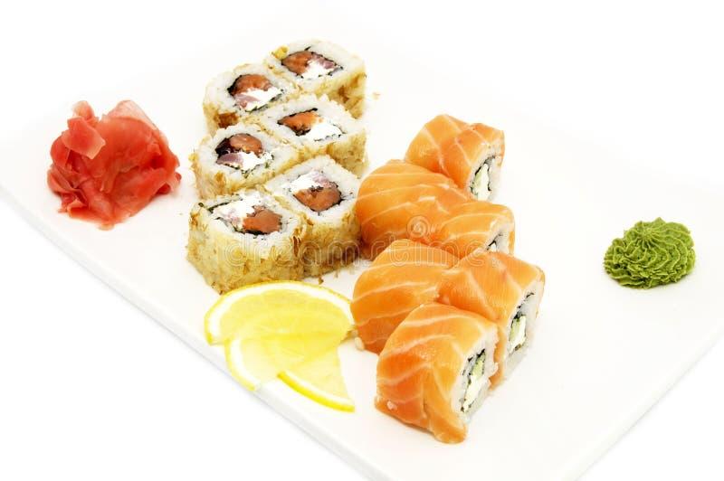 Sushi met zalm en kaviaar royalty-vrije stock afbeelding