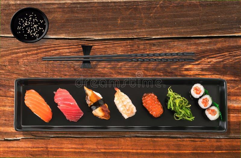 sushi misti messi - alimento giapponese fotografie stock
