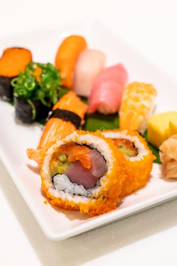 Sushi misti sul piatto fotografia stock