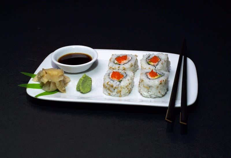 Sushi - rodillo de California foto de archivo