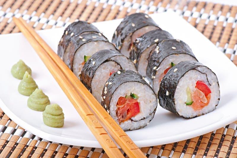 Download Sushi Rolls imagen de archivo. Imagen de pescados, queso - 41916837