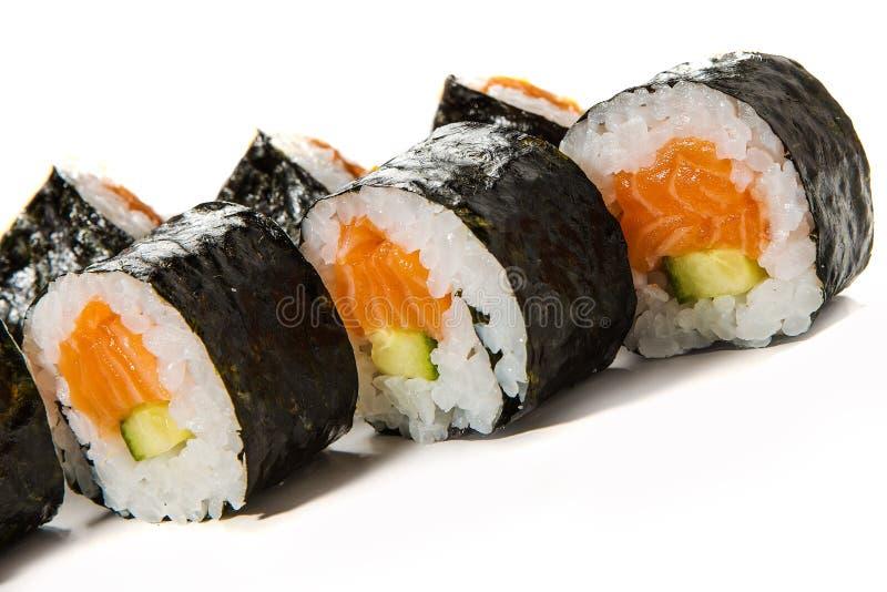 Sushi Rolls com salmões e pepino imagem de stock
