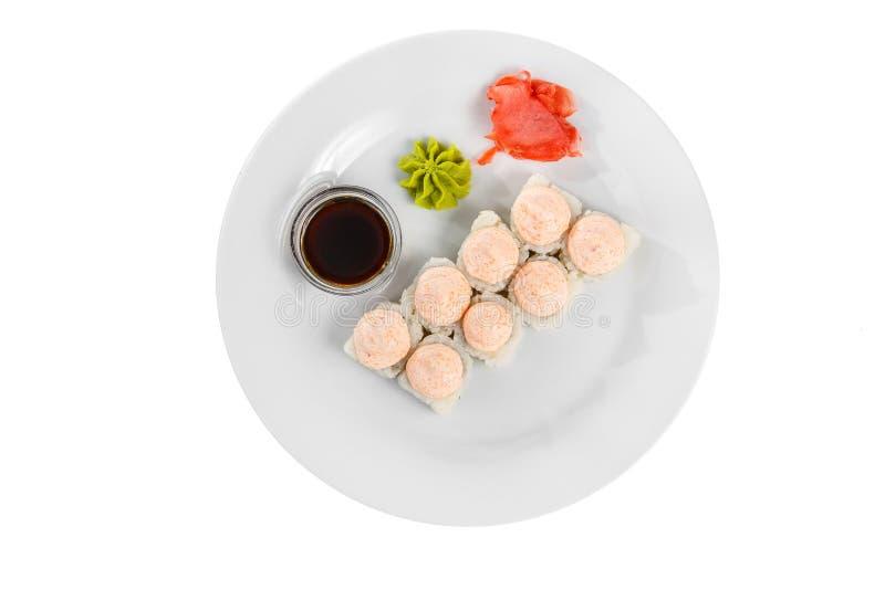 Sushi rullar p? en vit isolerade bakgrund fotografering för bildbyråer