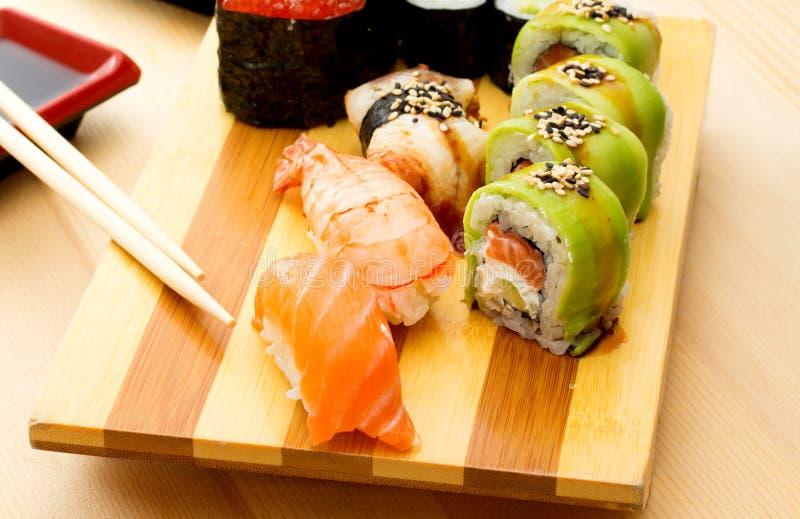 Sushi ruwe vissen stock foto's