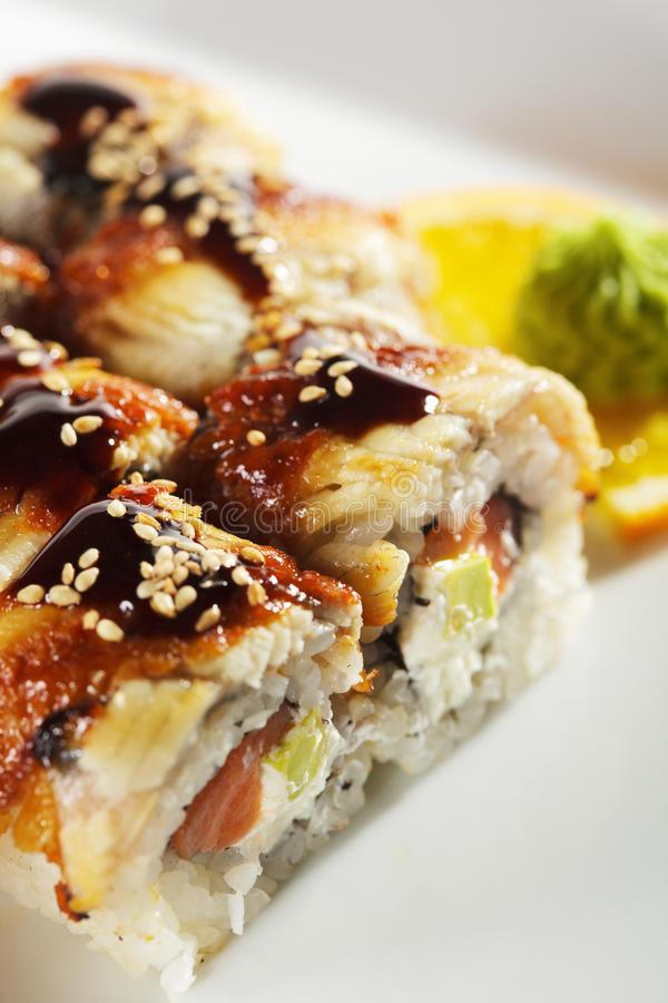 Sushi Salmon e fumado de Maki da enguia fotografia de stock royalty free
