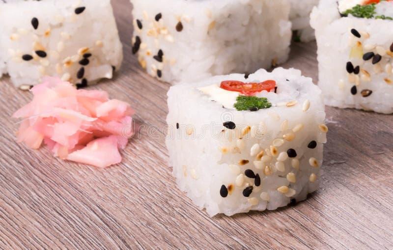 Sushi sur le bois photo libre de droits