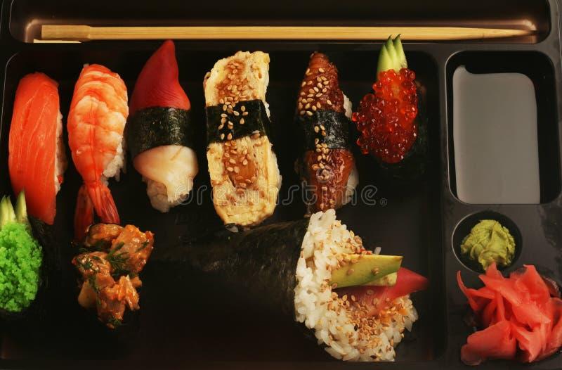 Sushi traditionnels japonais photos libres de droits