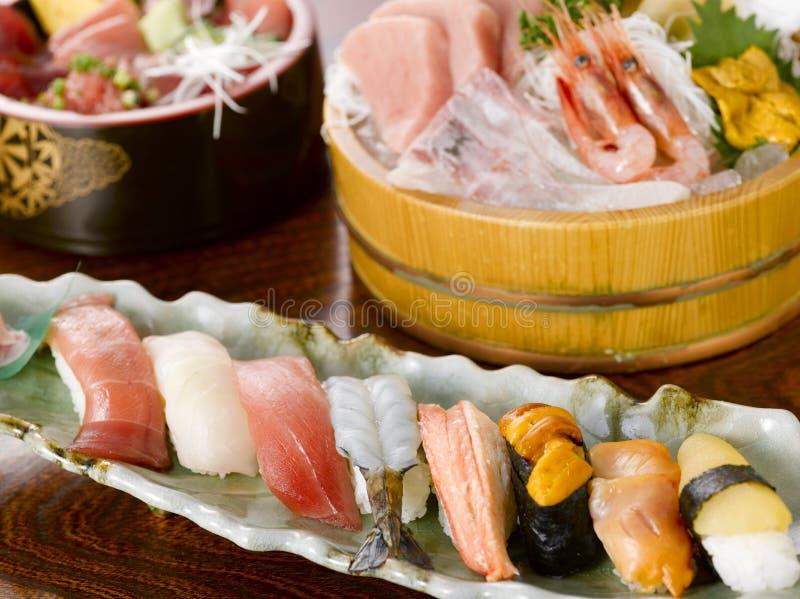 Sushi und Sashimi stockfotos