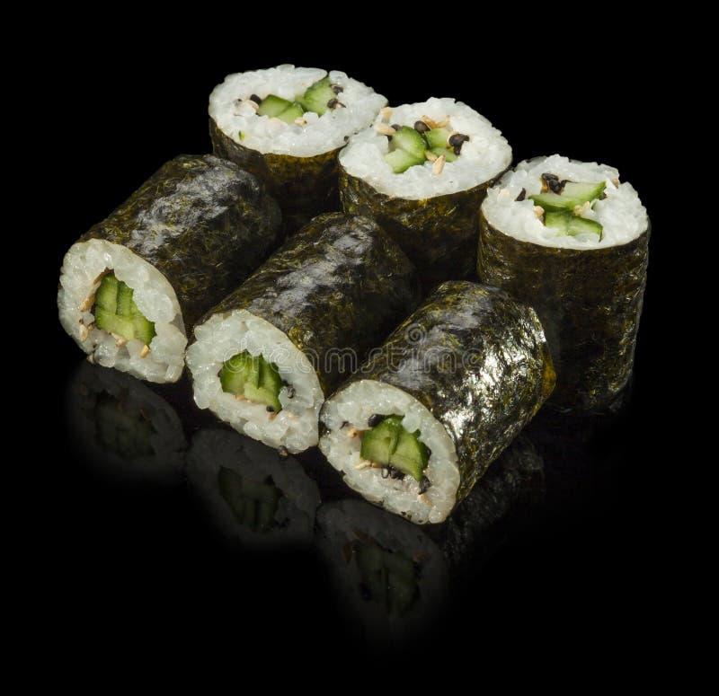 Sushibroodje met Komkommer stock afbeeldingen