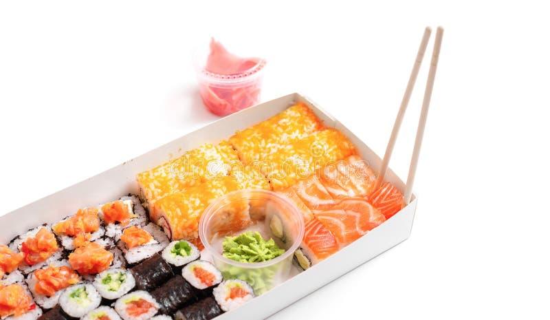 Sushileverans som går att ställa in japansk kinesisk mat isolerad vit bakgrund arkivbilder