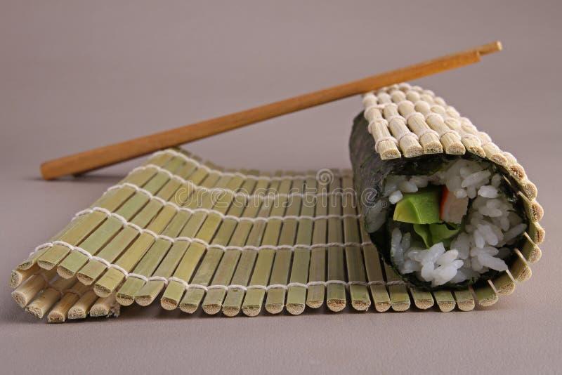 Sushivorbereitung lizenzfreie stockfotos