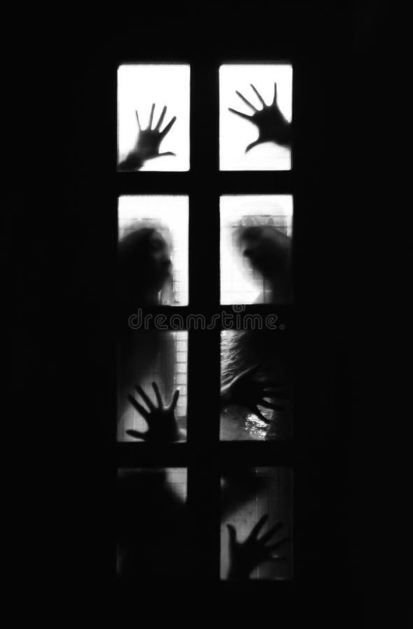 Suspens derrière la porte photos libres de droits