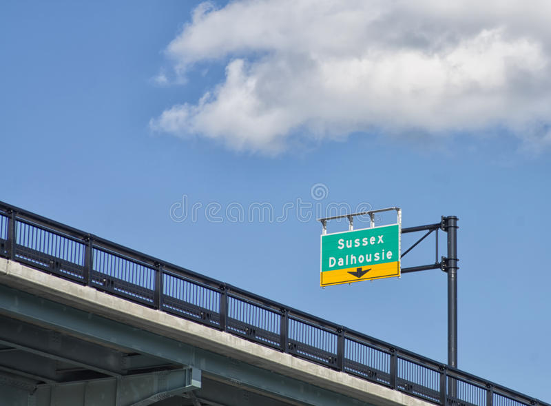 Sussex Dalhousie znak na autostradzie w Kanada ` s kapitale fotografia stock