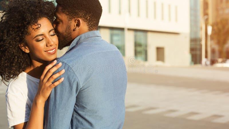 Sussurro sobre o amor E foto de stock royalty free