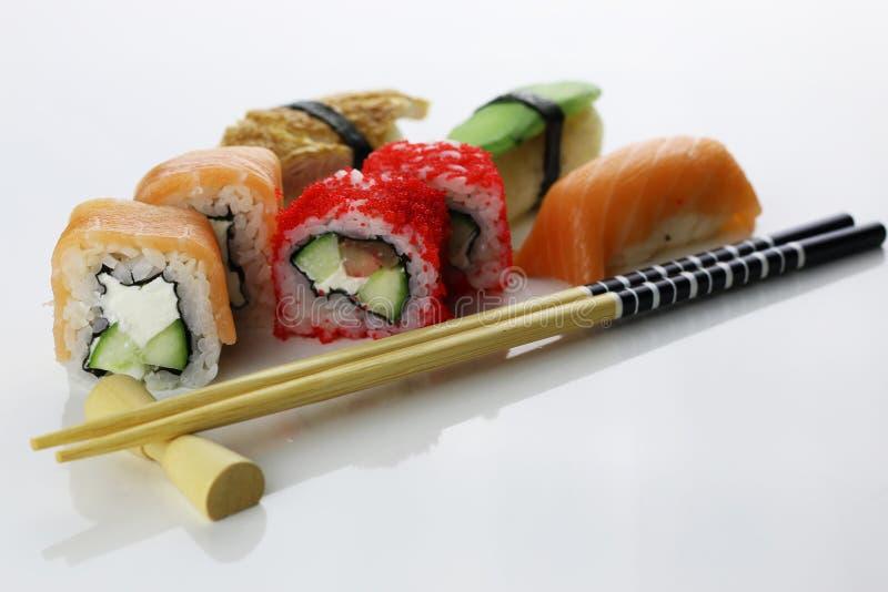 Suszi ustaleni chopsticks fotografia royalty free