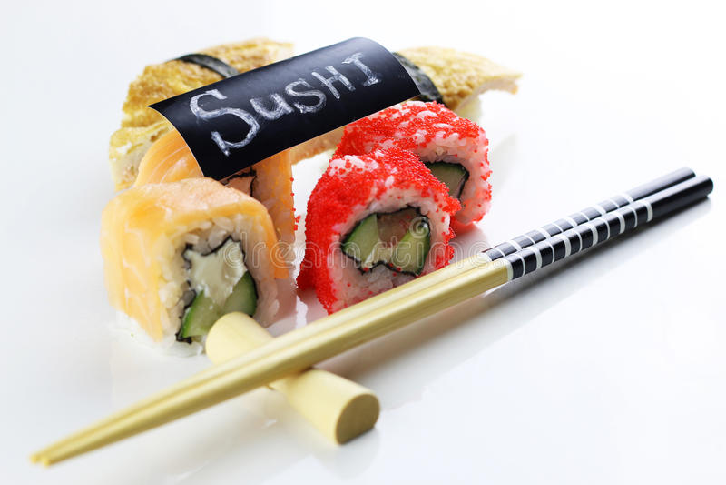 Suszi ustaleni chopsticks zdjęcia royalty free