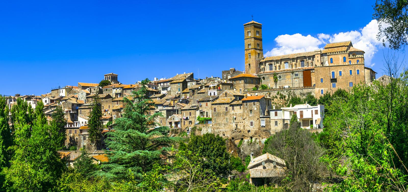 Sutri - forntida etruscan stad, Italien royaltyfri foto