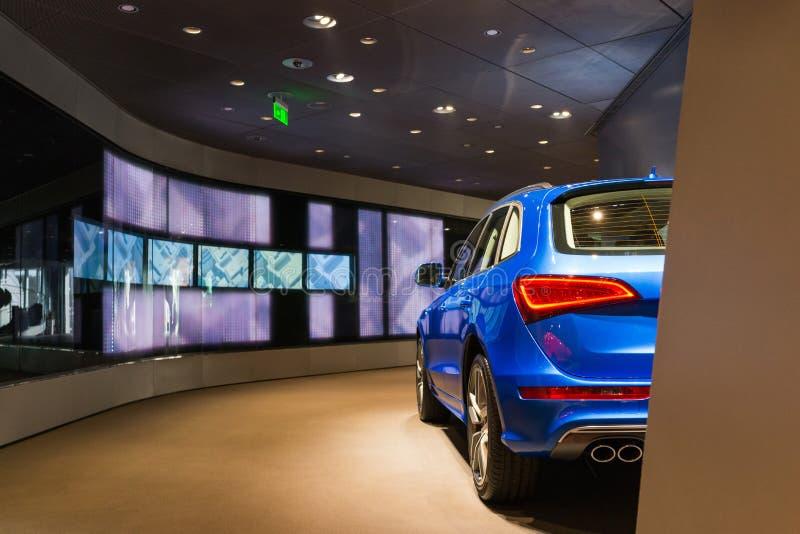 SUV-auto voor verkoop royalty-vrije stock afbeelding