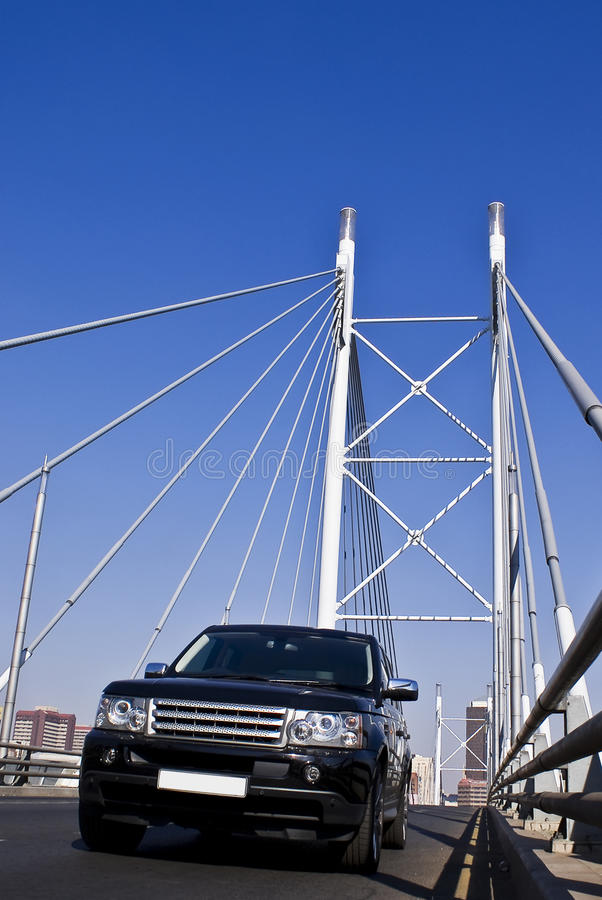 Free SUV On Nelson Mandela Bridge Royalty Free Stock Images - 10325109