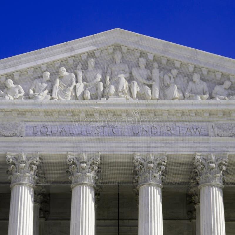 suverän domstolfacade royaltyfria foton