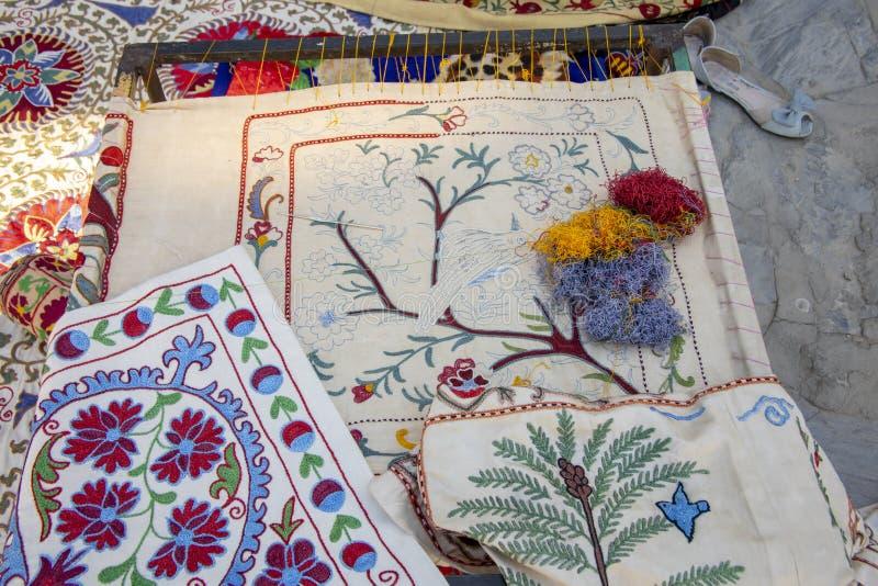 Suzani arbete, Bukhara, Uzbekistan arkivbild